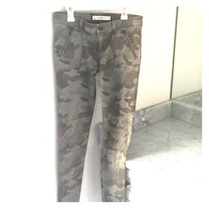 Abercrombie camo jeans